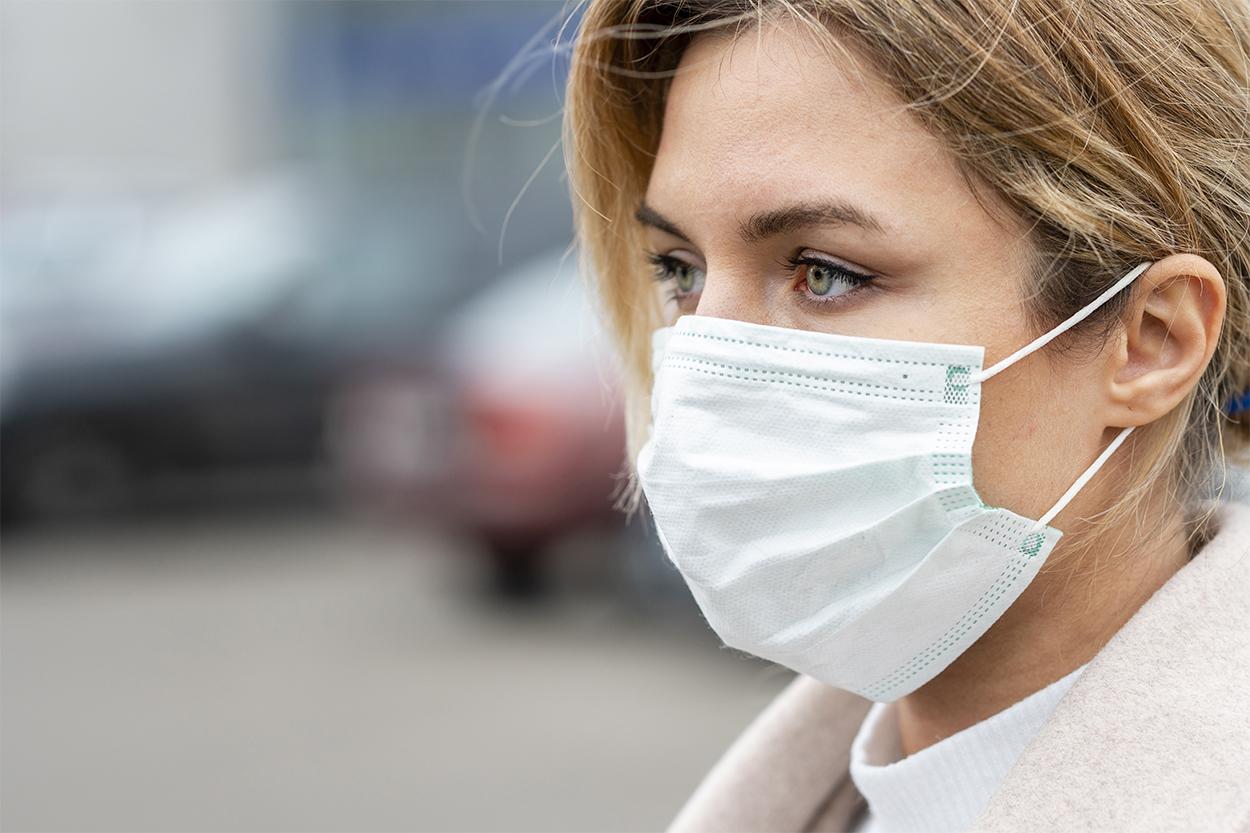 Cuidados de la piel con mascarilla para coronavirus