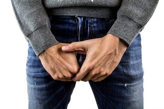 Hombre con cancer de pene